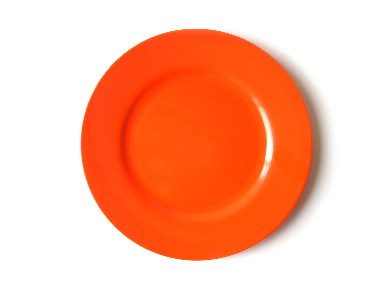 Plato naranja vacío