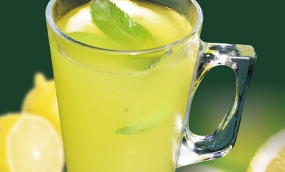 vaso con limonada